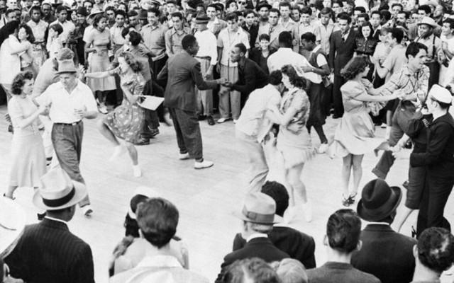 Socail-Dance-TITLE