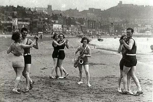 Lindy Hop on a Beach 1