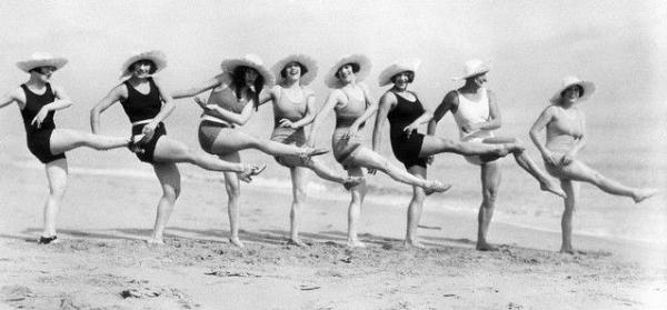 Lindy Hop on a Beach 9