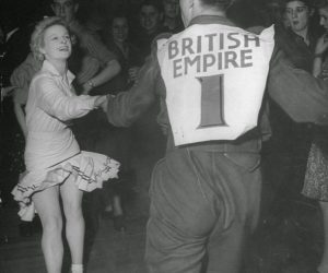 Lindy Hop in London during Blackout
